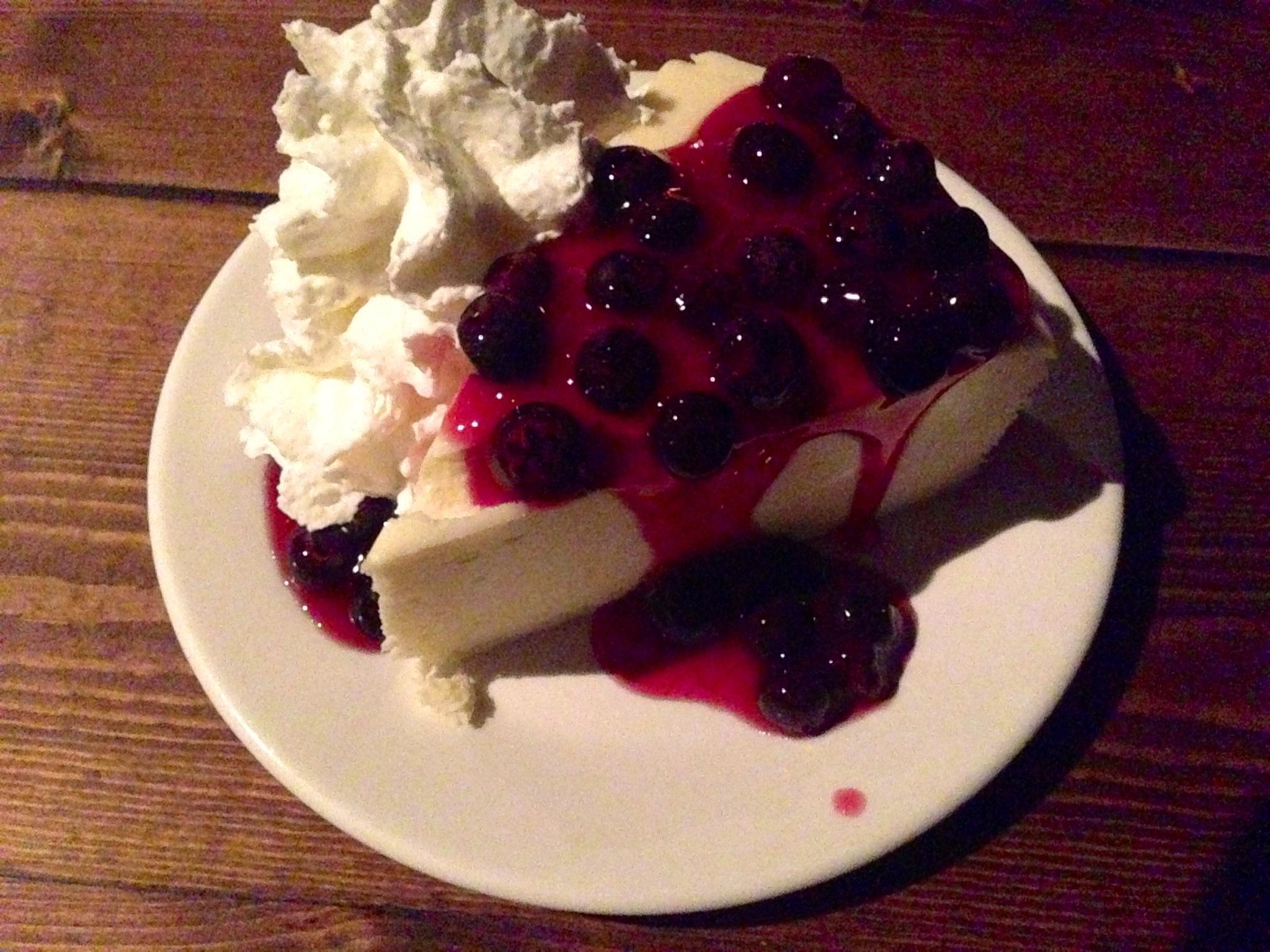 Original Cheesecake with Blueberries