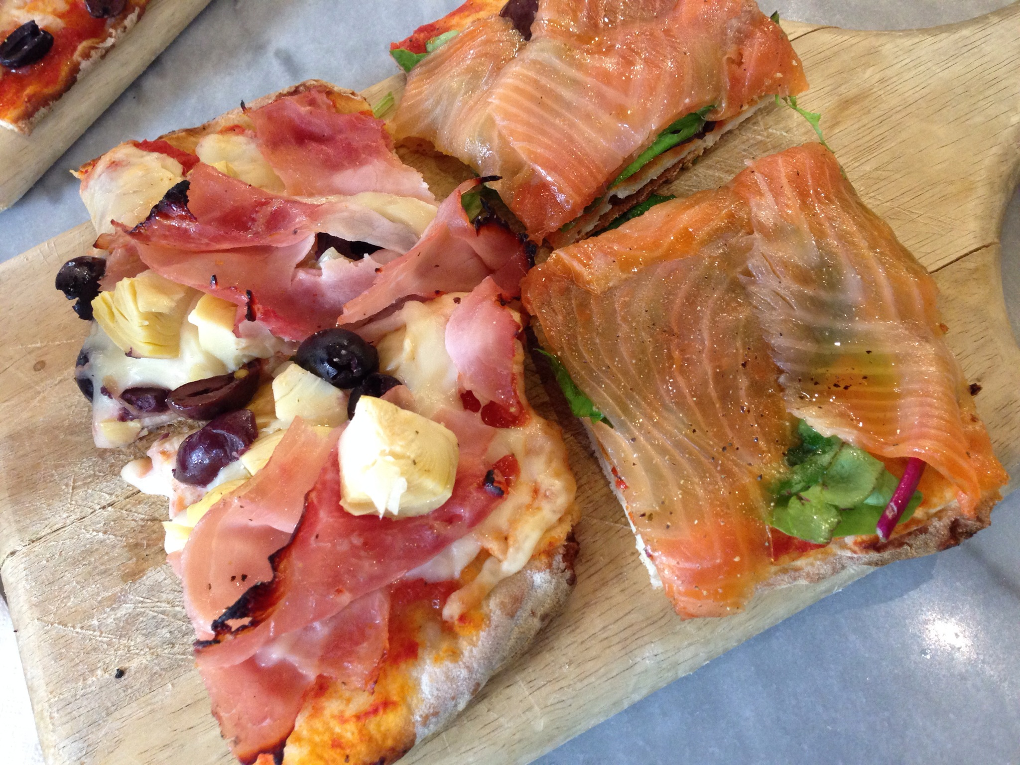 Prosciutto Olive & Artichok Pizza and Smoked Salmon Pizza @ Sciué