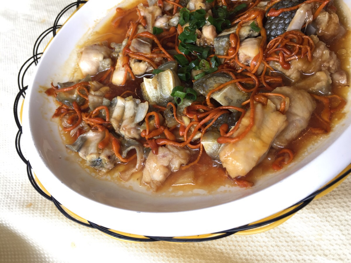 Steamed Alligator and Frog with Herbs