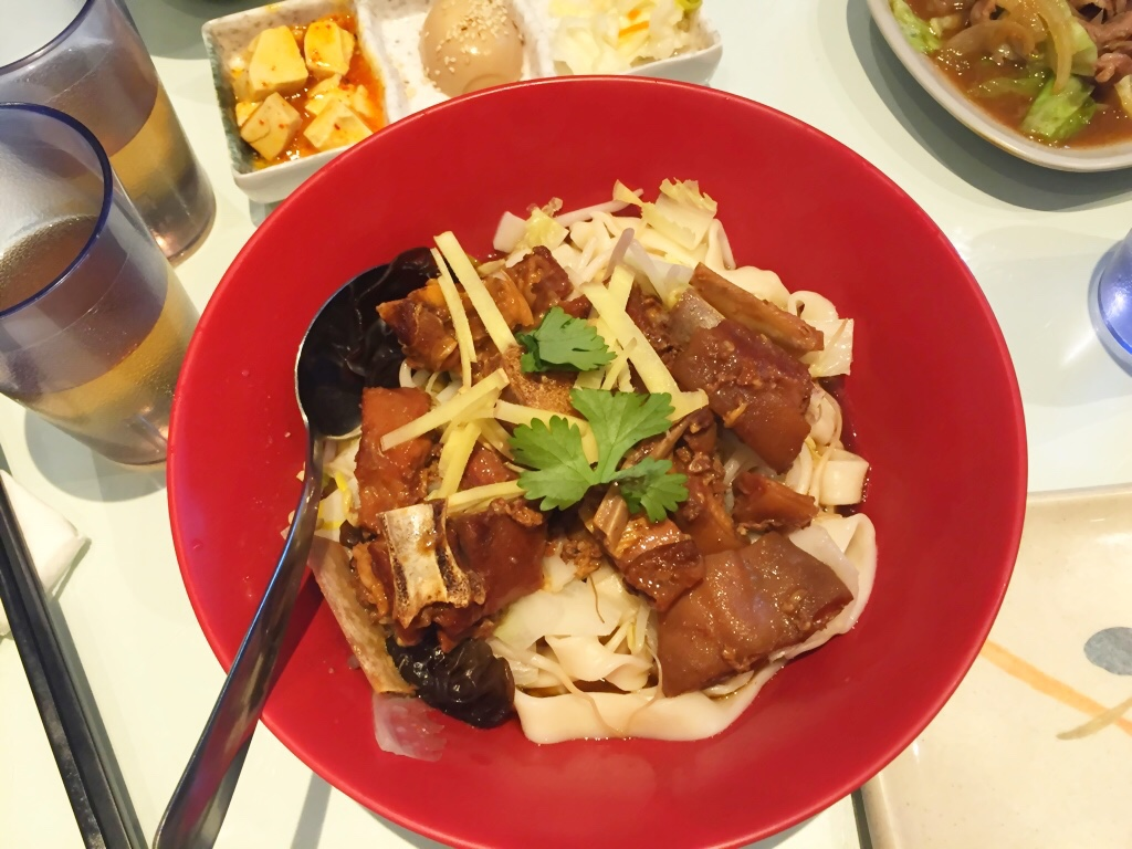 Old Mama Style Lamb Stew on Dry Noodle