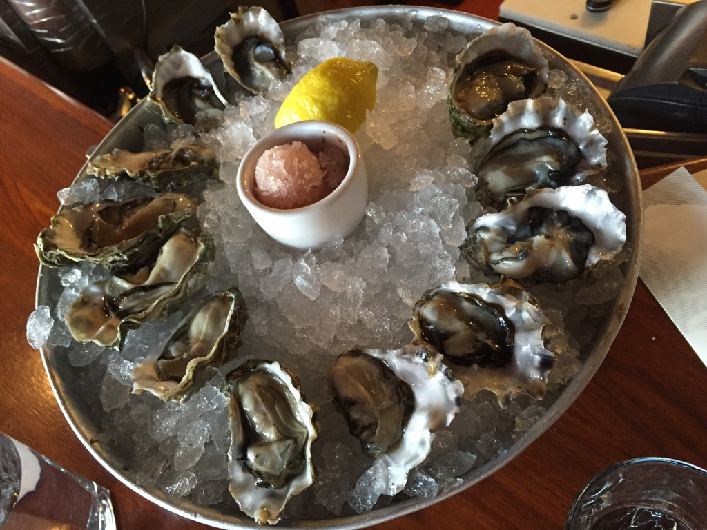 happy hour fresh oysters