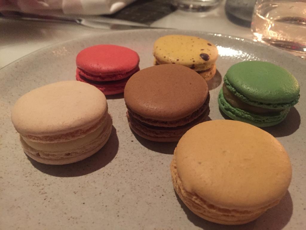 Sampling of Macaron