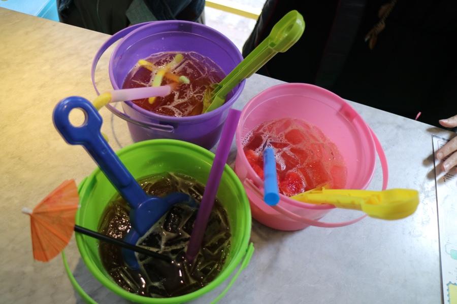 cocktails in thai buckets