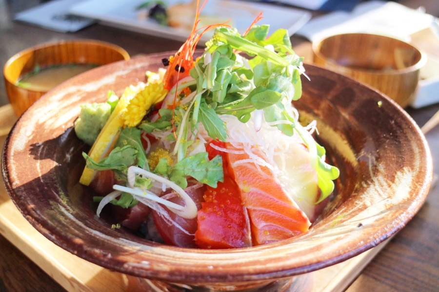 Deluxe Seafood Bowl