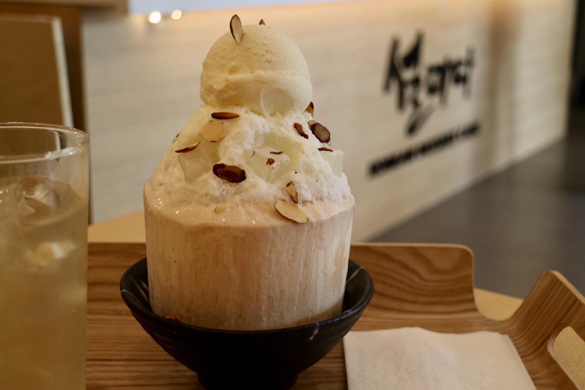 coconut bingsu
