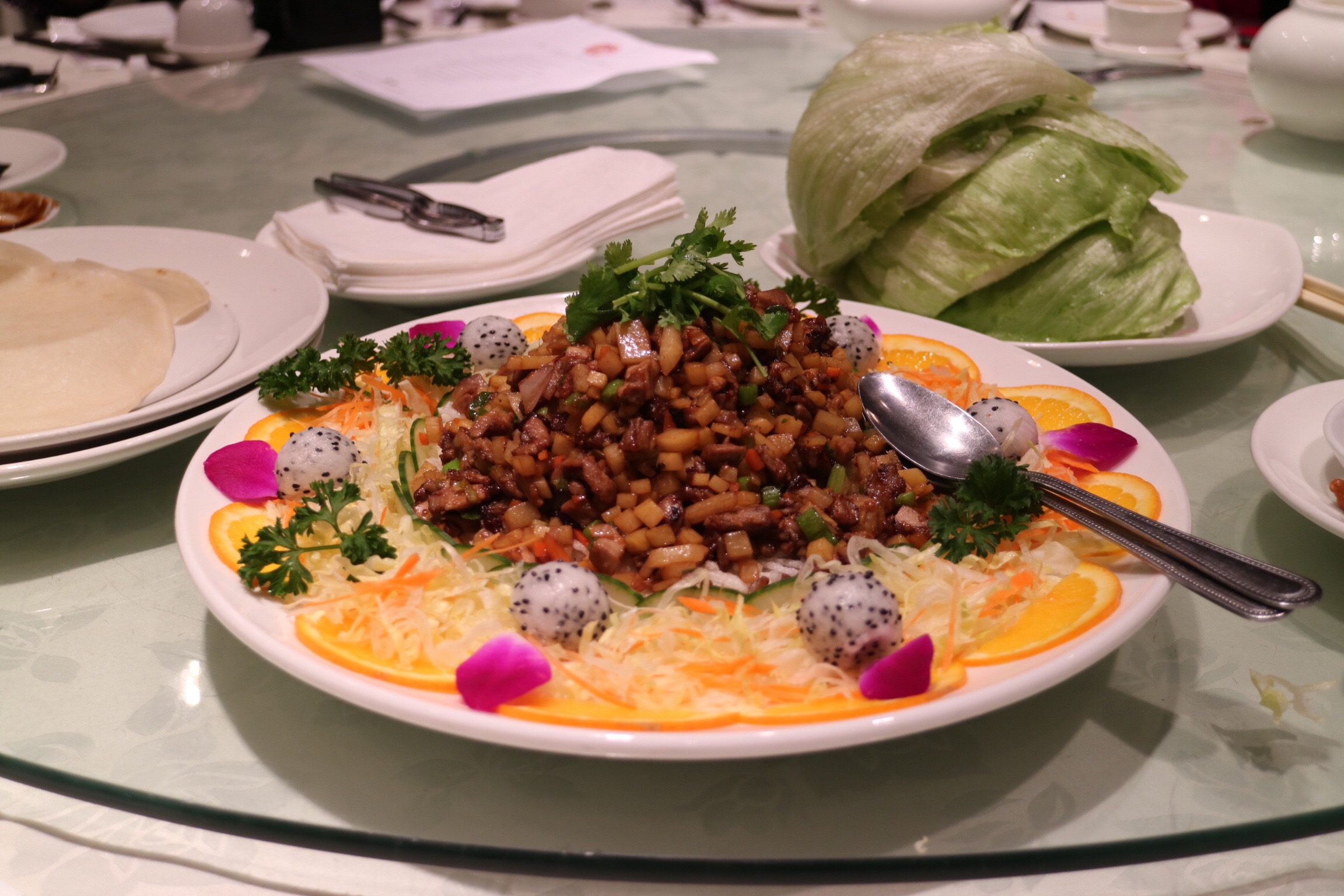 Duck meat with lettuce wraps